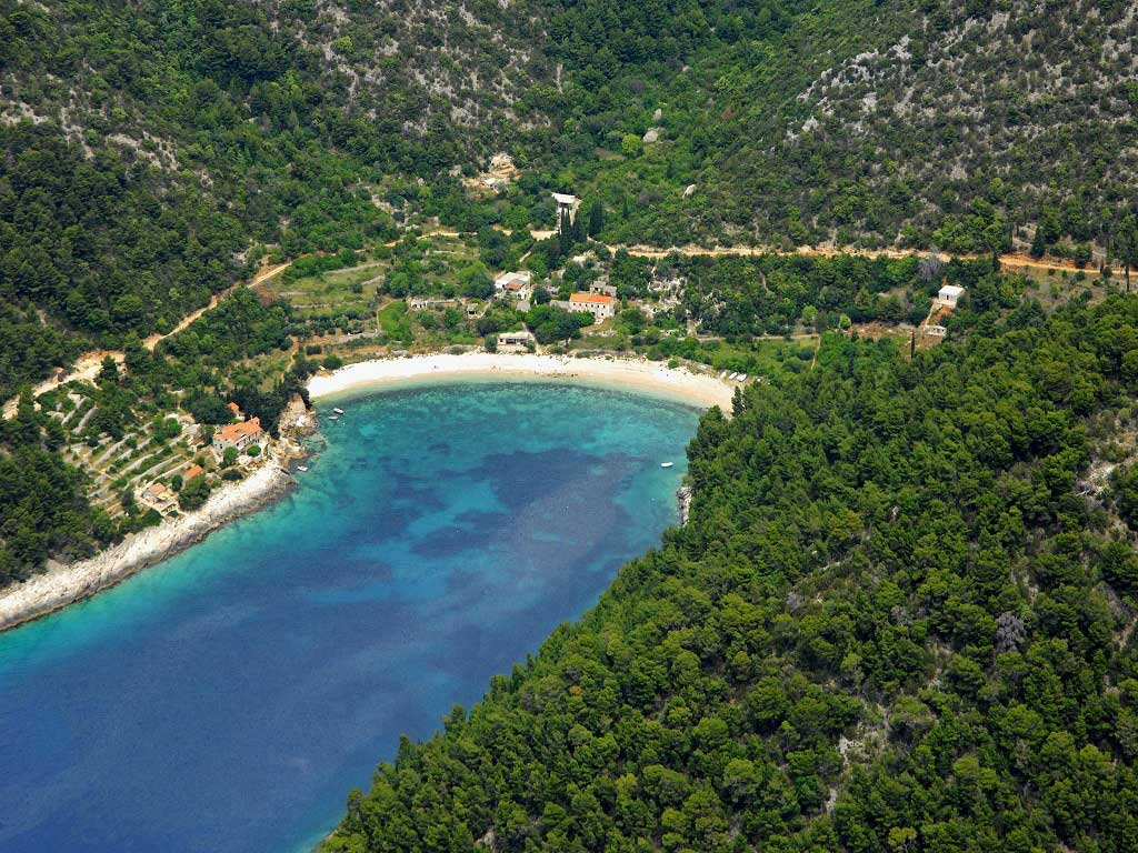 Croatian island bays - oases for sailors