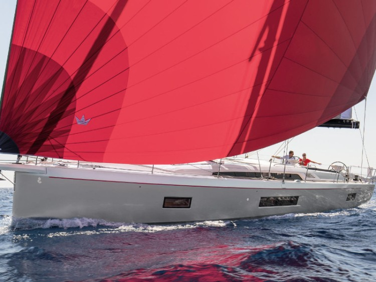 5 Sailing Yachts With 5 Cabins for your maximum comfort